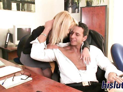 Пошлая секретарша завалила шефа на стол