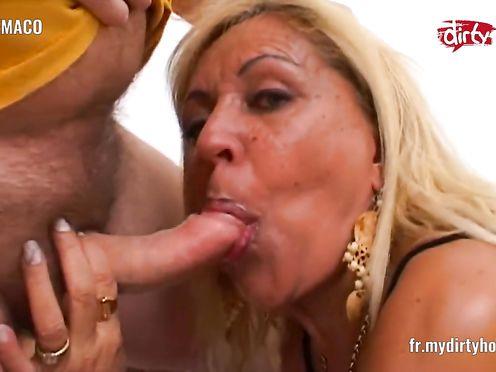 Любительское видео ебли взрослой блондинки