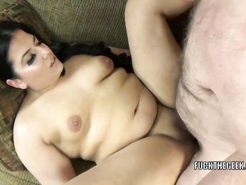 Частное видео секса с развратной толстушкой с незнакомцем