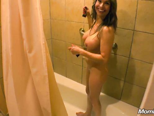 Домашнее видео секса со взрослой женой в ванной