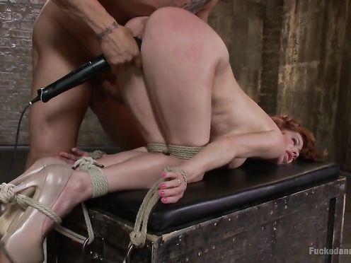 Рыжую матюрку используют как секс-рабыню