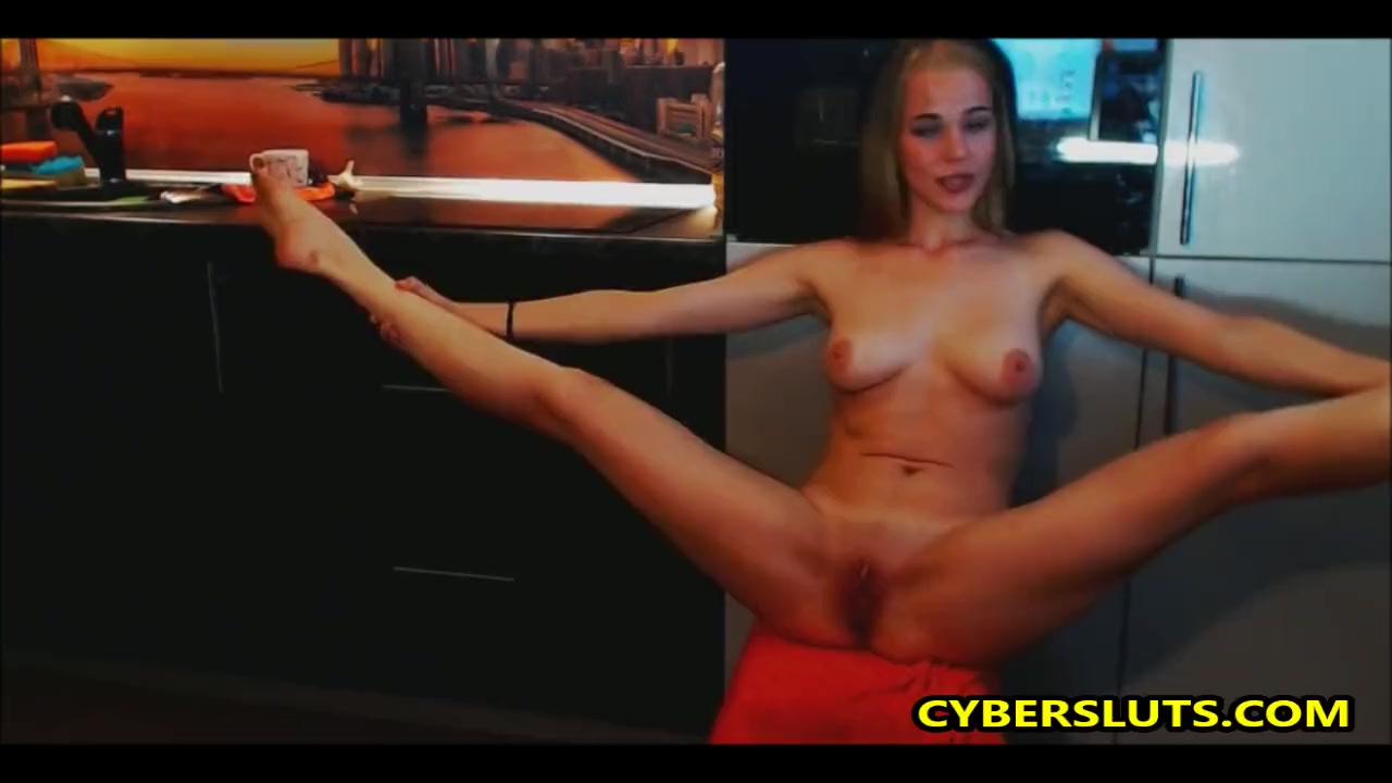 Девка глотает смотреть стриптиз по веб камере онлайн девушек торчащими
